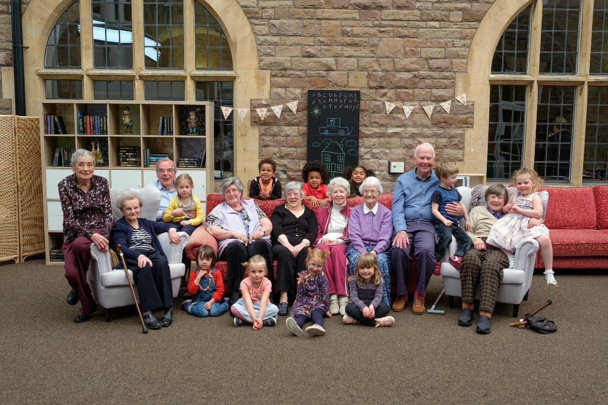 Intergenerational project old people's home for four year olds